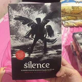 Silence by Becca Fitzpatrick (Book 3 in the Hush Hush Saga)(Inggris)