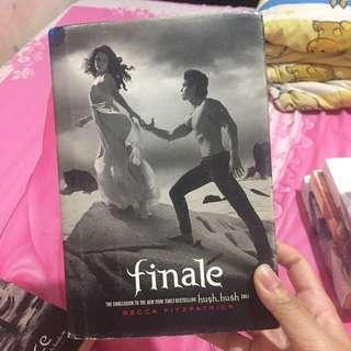 Finale by Becca Fitzpatrick (Book 4 in the Hush Hush Saga) (Inggris)