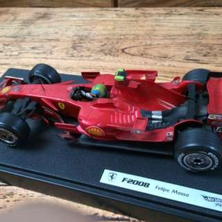 Hot Wheels F1 Ferrari F2008 Felipe Massa Skala 1:18