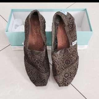 Sepatu Selop Toms