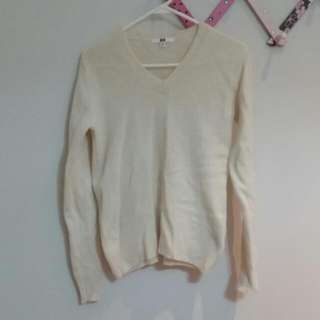 Uniqlo Cream V Neck Sweater