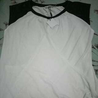Baju Atasan calvin klein new Ukuran L Masih