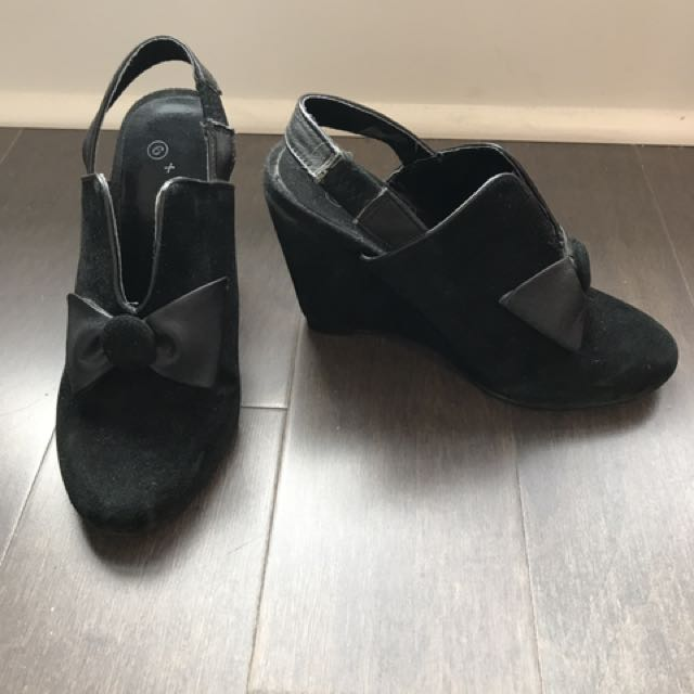 6x6 Real Suede Slingback Wedges, Size 6