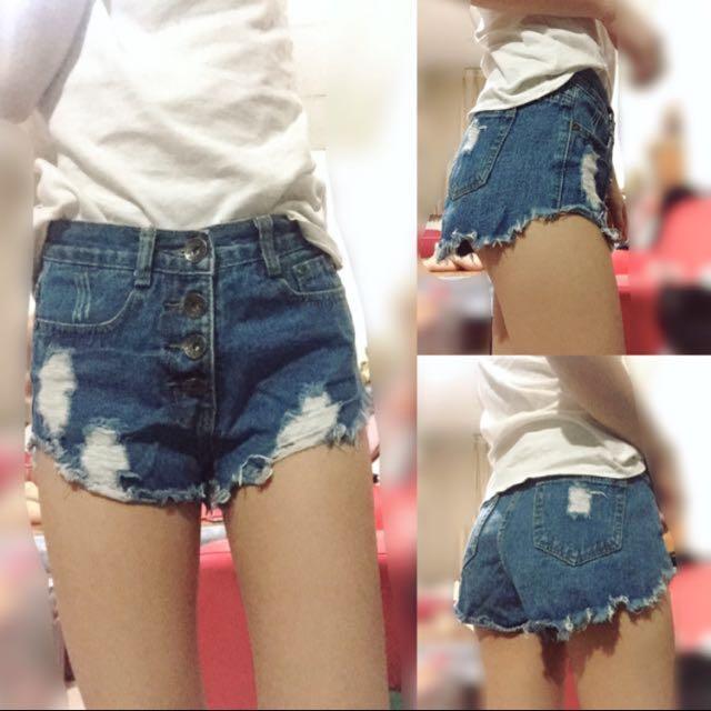 排釦不修邊短褲#兩百元短褲
