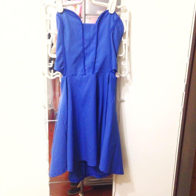 特殊剪裁 搶眼藍洋裝
