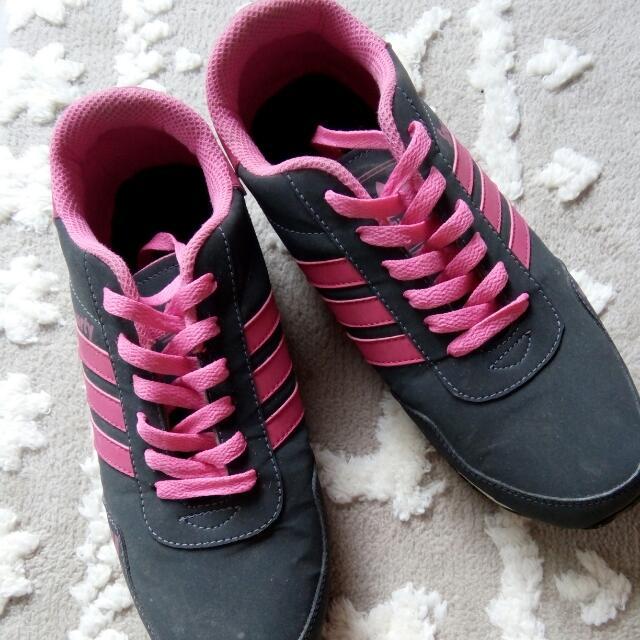 TURUNHARGA!!!!  Adidas Shoes (no ORI)