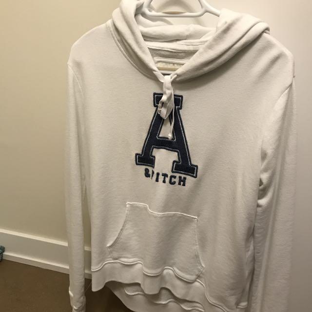 A&F Hoodie ( Size M/L)