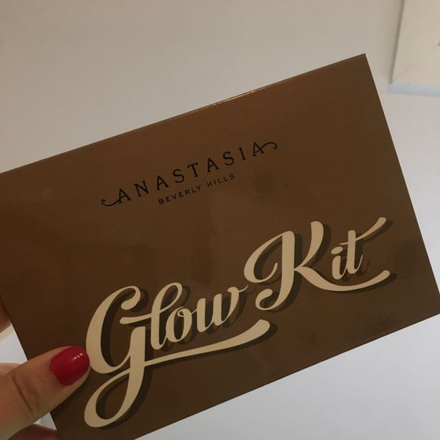 Anastasia Beverly Hills Ultimate Glow NEEDS TO GOOO