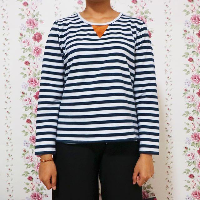 Atasan Sweater Stripes
