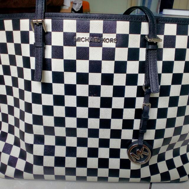 Authentic Michael Kors Tote Checker