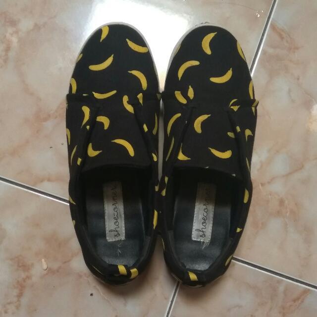 Banana Slip On