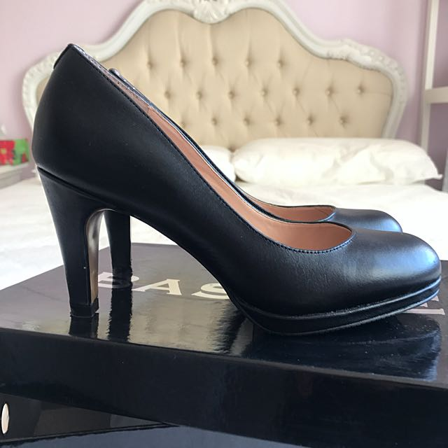 🆕Basque Black Pump Heels Size 35