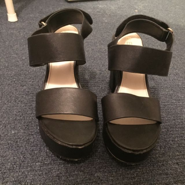 REDUCED Betts Shoes Side 7