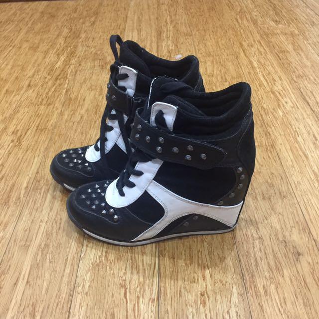 Black And White Heel Runner