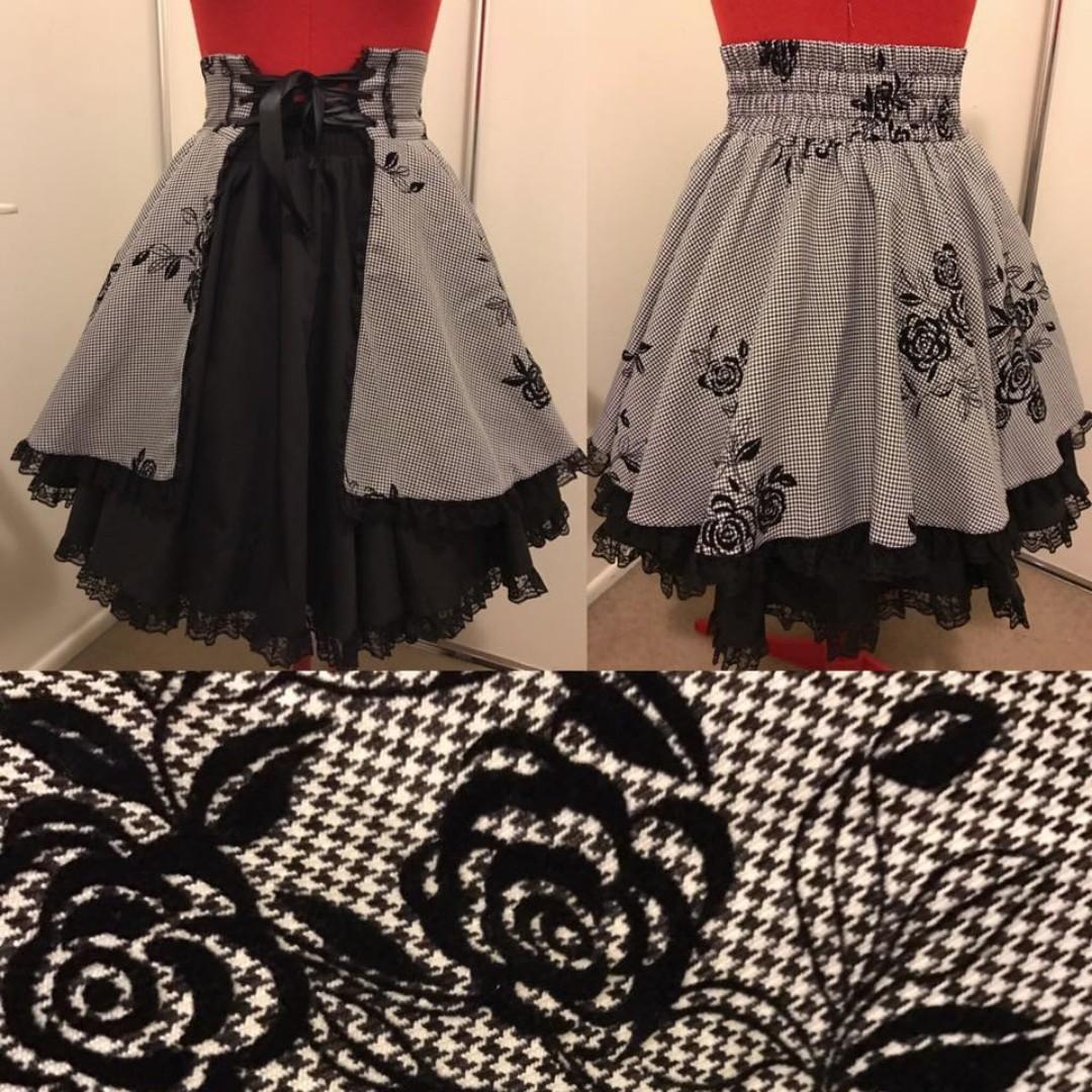 Bodyline Rose Print High Waist Skirt
