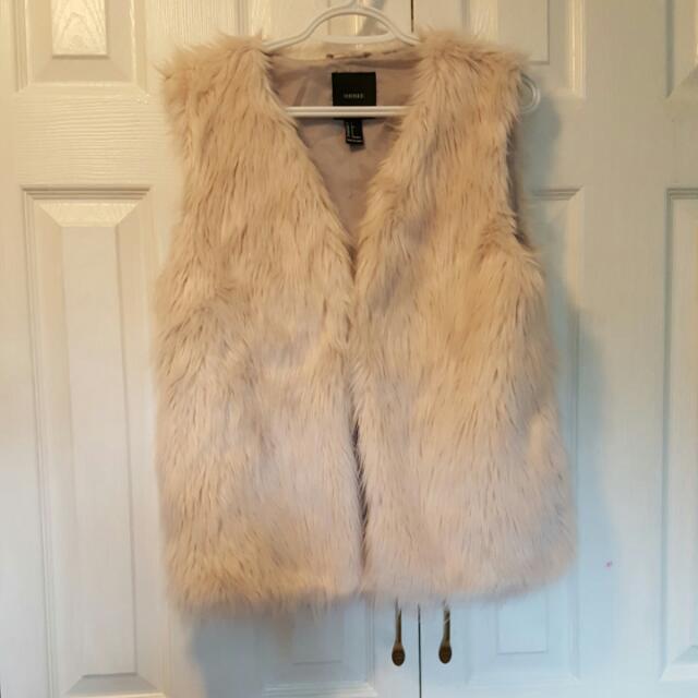 Faux Fur Off White Vest