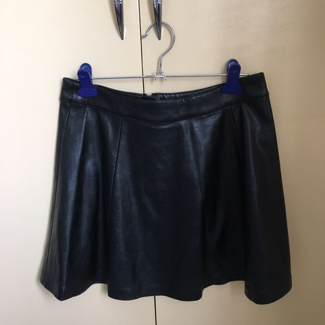 H&M BRAND NEW Leather Skirt