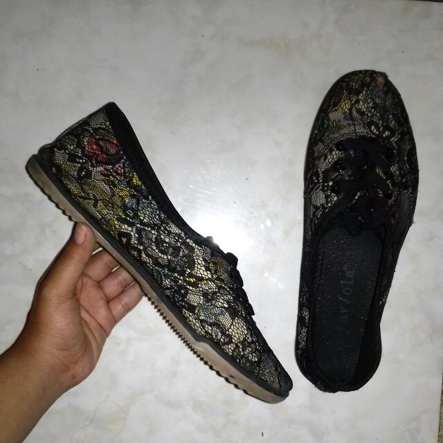 Laviola Lace Black Shoes