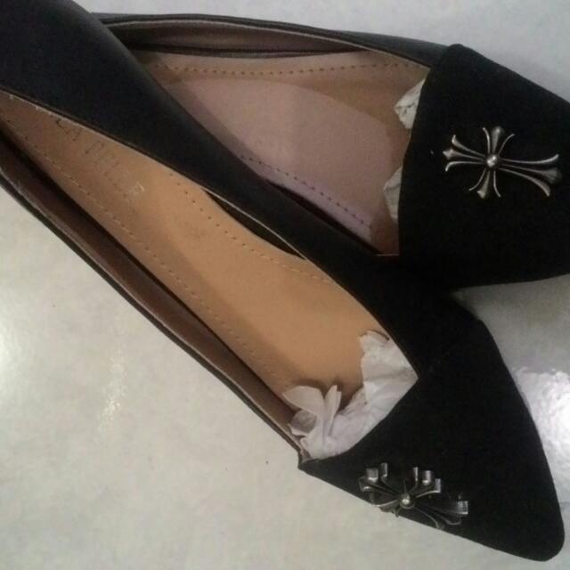 Linea Pelle Cross Flatshoes