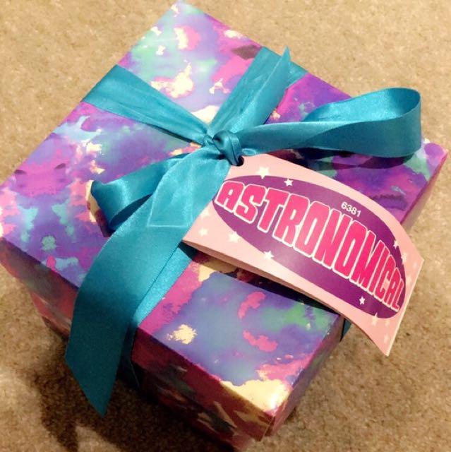 LUSH Astronomical gift set 😊💕