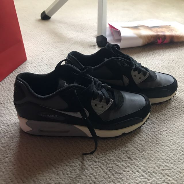Nike Air Max Black And Wolf Grey Size 7
