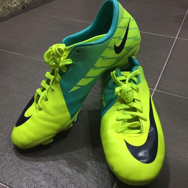 nike neon football shoes