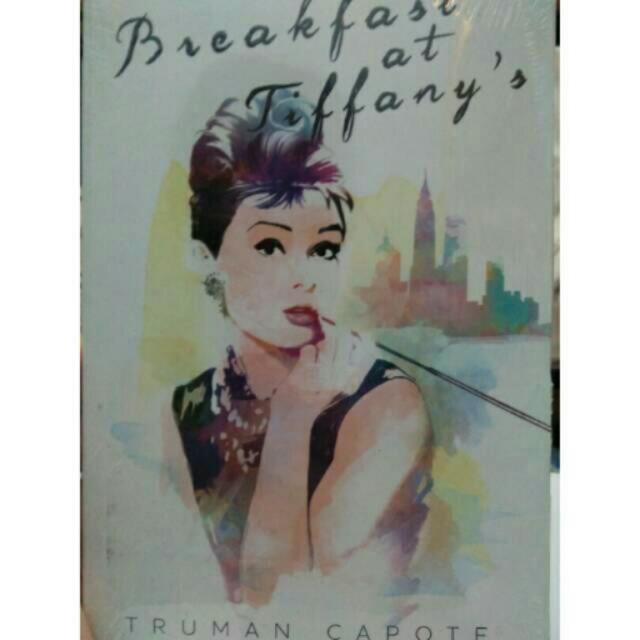 Novel murah breakfast at tiffany's