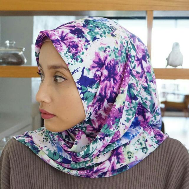 Premium Hijab Square Purple
