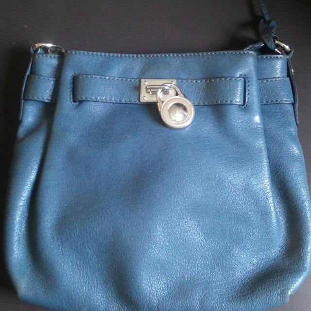 Preowned Authentic Michael Kors crossbody bag