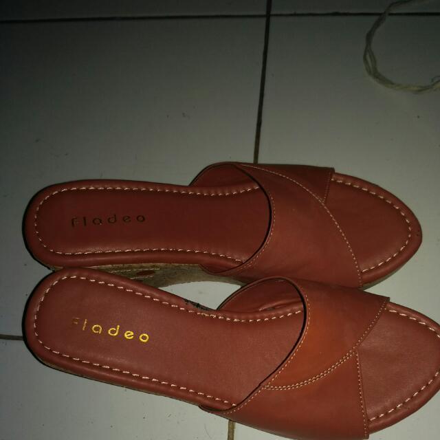 Re Price Fladeo Sandals
