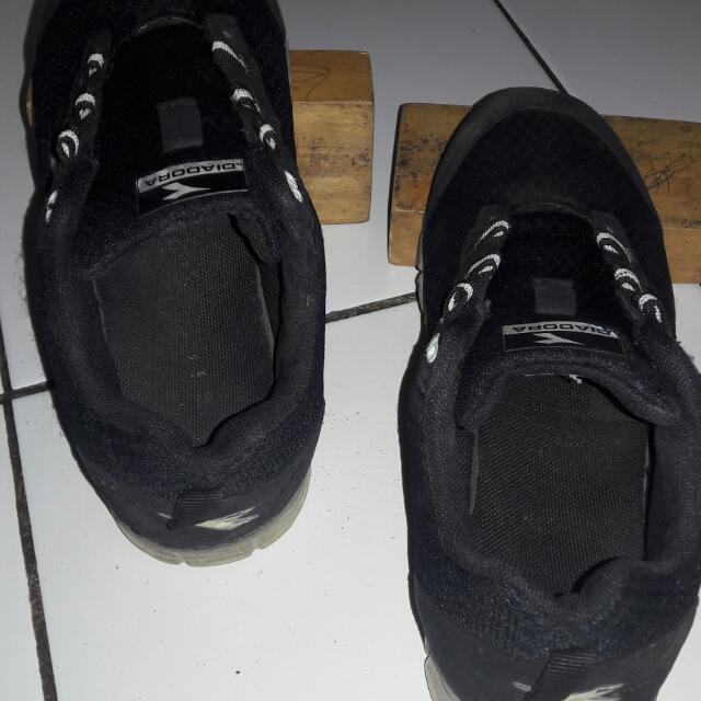 sepatu running diadora