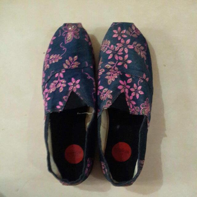 Sepatu Wakai Wanita