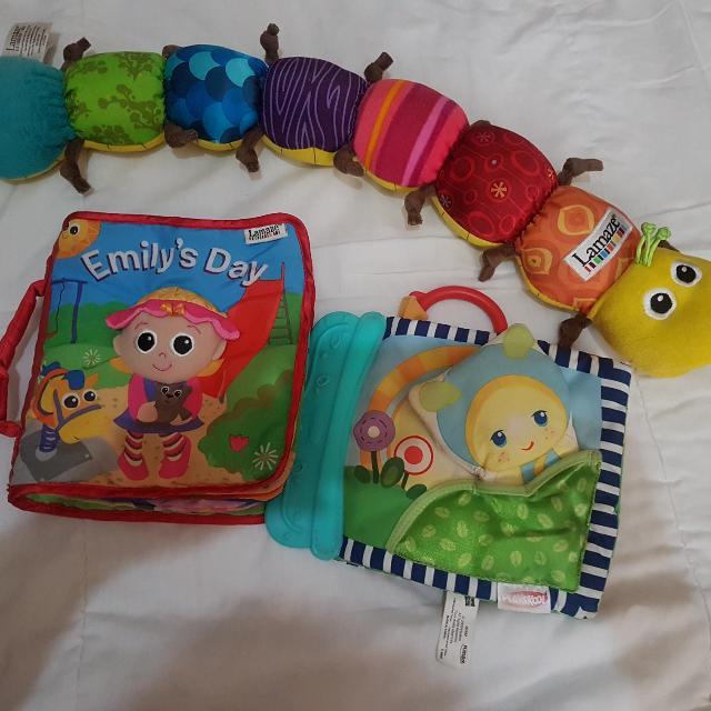 Soft baby toy set