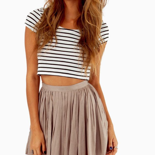 Striped Cropped Top 🚧