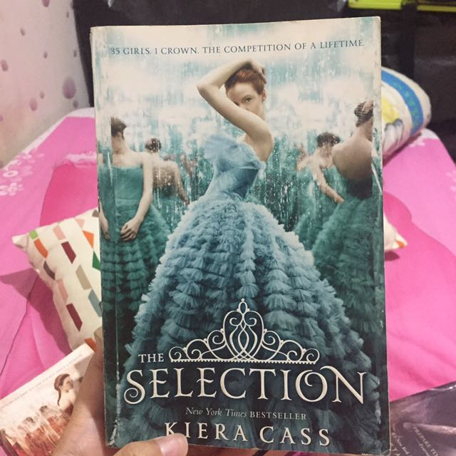 The Selection by Kiera Cass (Book 1)(Inggris)