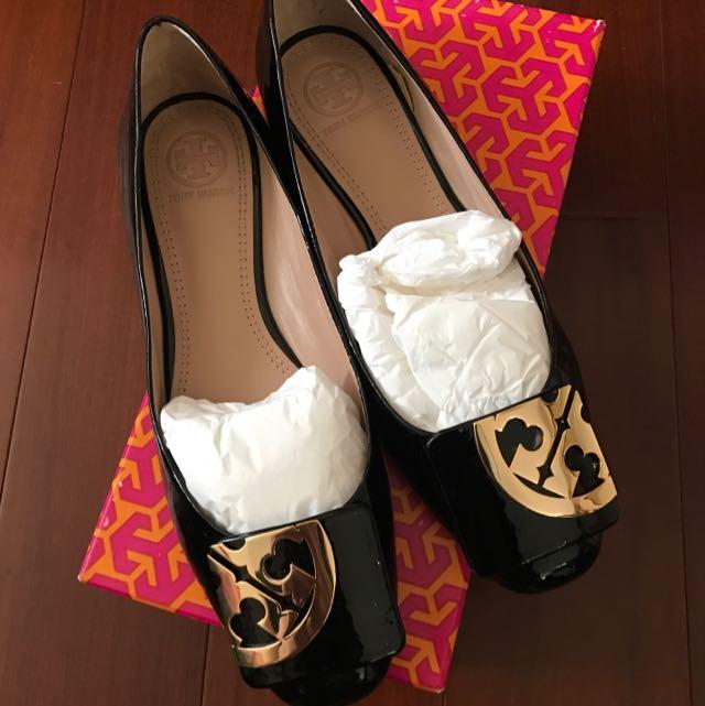 Tory Burch 漆皮平底鞋