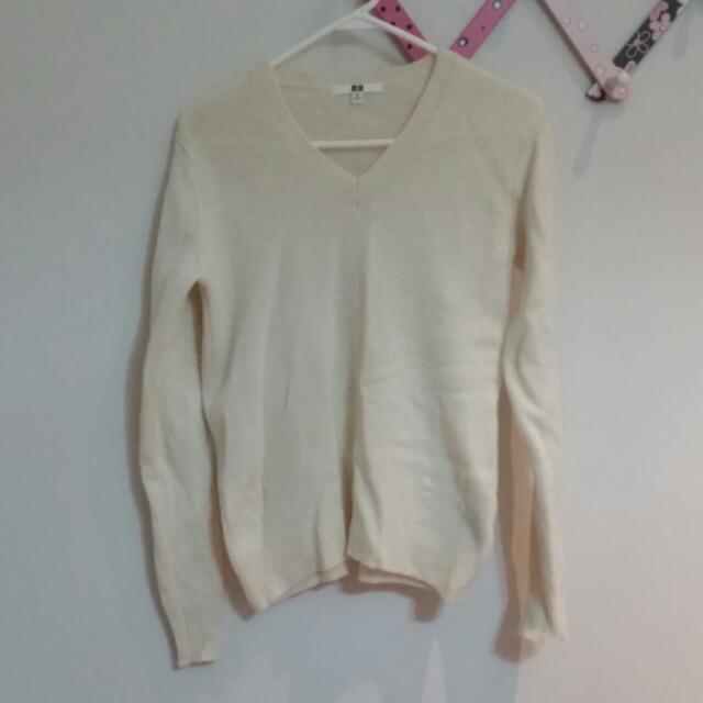 Uniqlo Cream V Neck Sweater