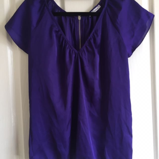 V Neck Shirt Size Small