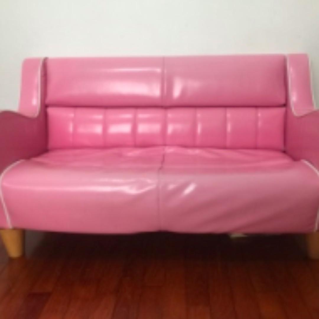 Vintage Pink Sofa For Child Bedroom