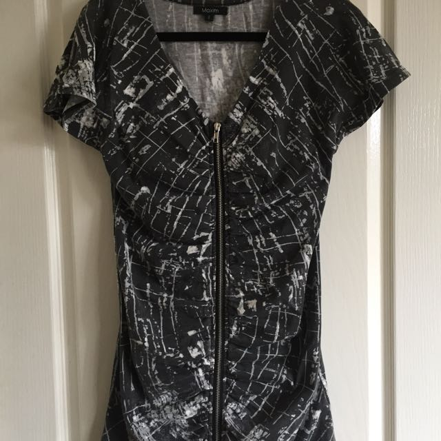 Zip Up Dress Size Small