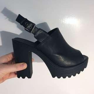 Black Ankle Buckle Platform Heel