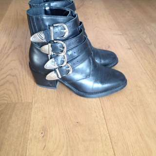 Tony Bianco Frenchy Ankle Boots Size 5
