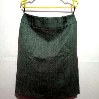 So-en, Office Skirt