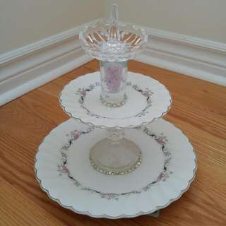 Rotating 3 Tier Jewelry Stand