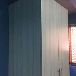 Cabinet (2-Door)