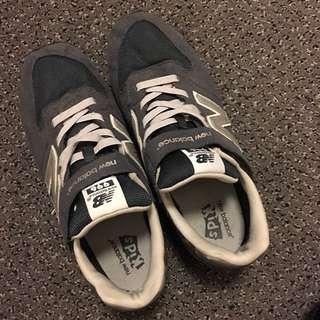 New Balance 藍色波鞋