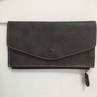 Dompet How're You