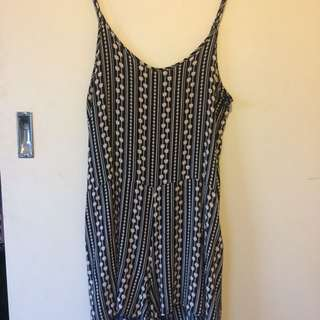 Mirrou play suit Size 8