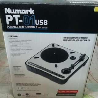 Numark PT-01 USB portable turntable(Vinyl Archiver)