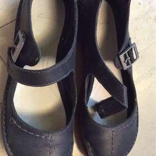 Clarks  balck shoes